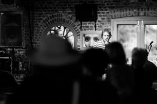 Rachael Berry & Chris Jones discuss art / photo: Julian Winslow